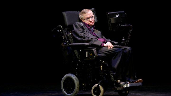 Инвалидное кресло Хокинга выставят на торги