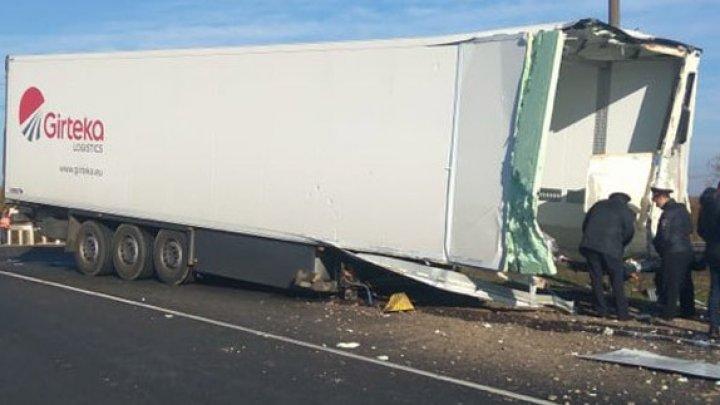 Водитель грузовика сгорел после столкновения с локомотивом под Смоленском