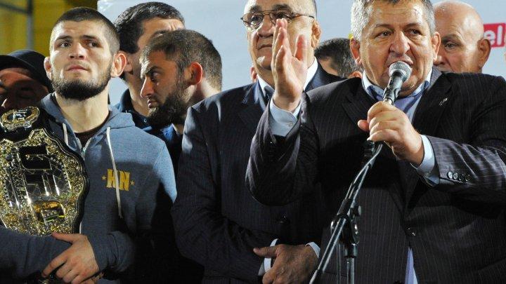 """""""Всё ему прощаю!"""": Отец Нурмагомедова пригласил Макгрегора в Дагестан"""