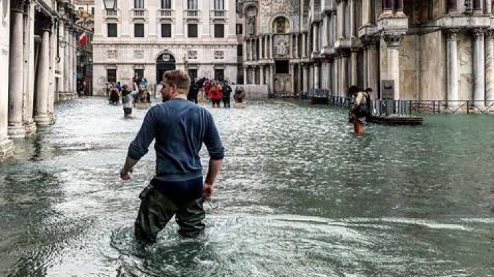 Около 75% территории Венеции ушло под воду из-за шторма
