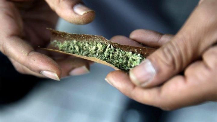 Южная Корея пообещала наказывать граждан за курение марихуаны в Канаде