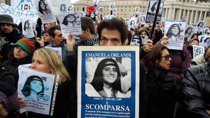 Найденные в посольстве Ватикана кости связали с тайной 35-летней давности