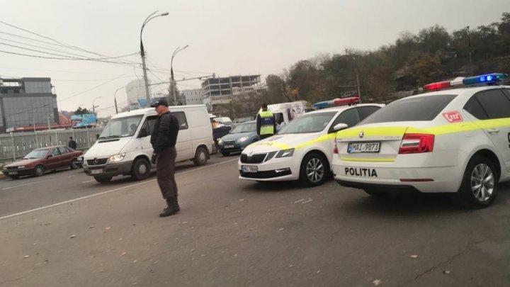 В столице проходит рейд против нелегальных таксистов
