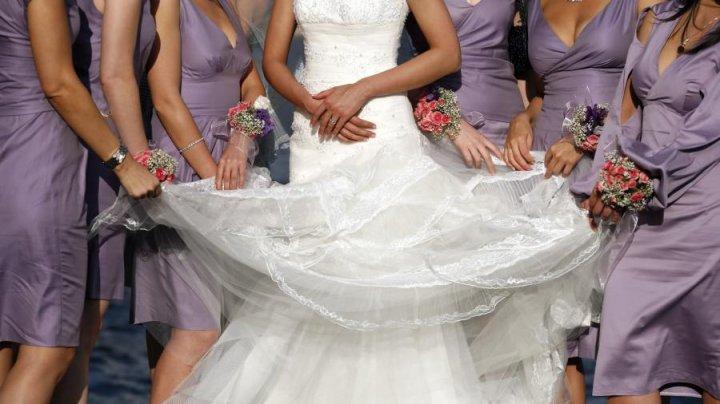 В Австралии невеста запретила подругам приходить на свадьбу в платьях