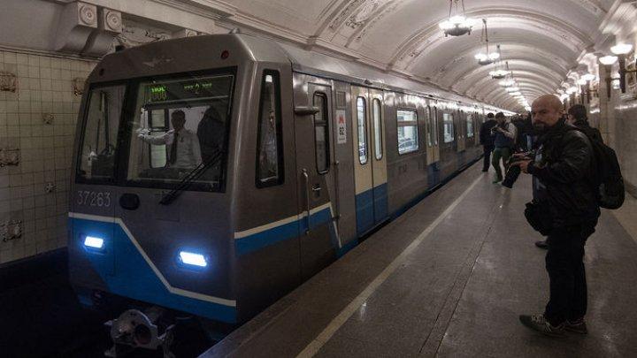 Из-за сильного ветра в Чехии встали десятки поездов