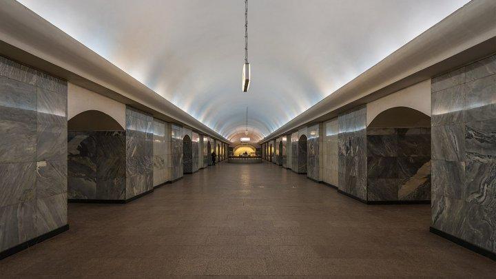 Москвич потерял сознание в метро и упал под поезд