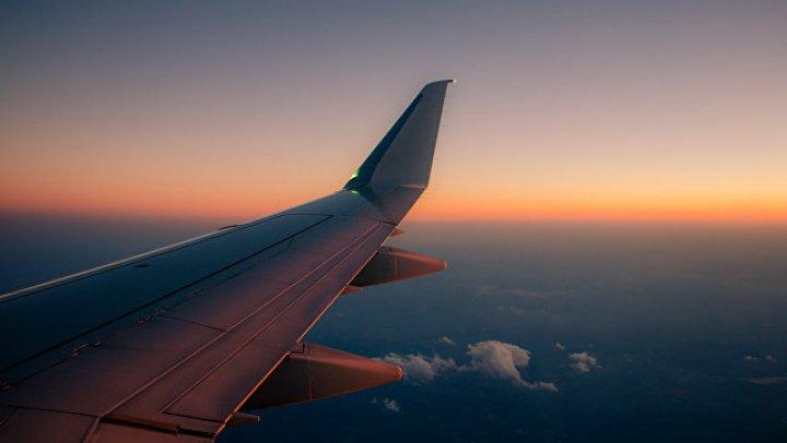В Гайане пассажирский самолет совершил аварийную посадку