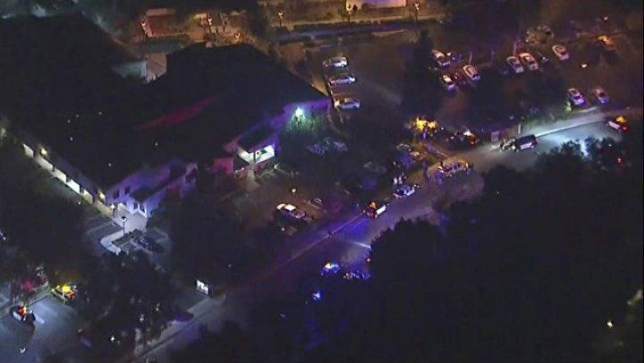 Полиция не исключает, что стрельба в баре в Калифорнии была терактом