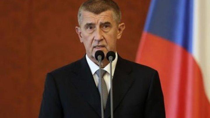 Премьер-министр Чехии отклонил миграционный пакт ООН