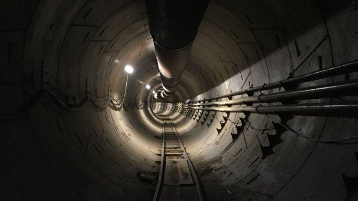 Маск показал подземный тоннель под Лос-Анджелесом