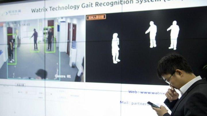 В Китае камеры научили узнавать человека по походке