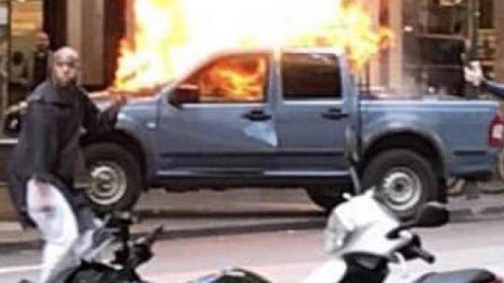"""Мужчина с криками """"Аллах Акбар!"""" напал с ножом на посетителей торгового центра в Мельбурне"""