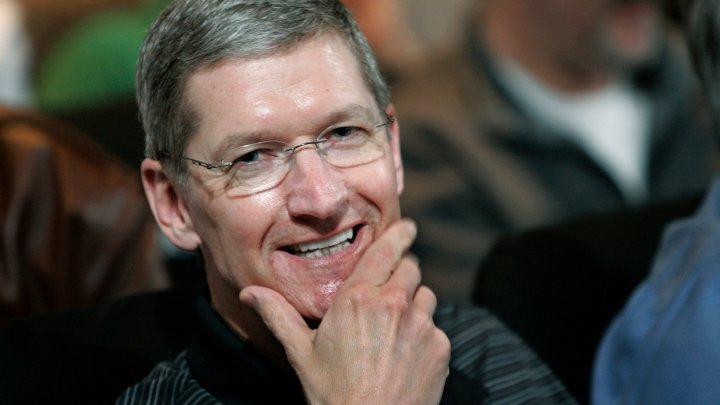 Глава Apple встаёт в 4 утра и читает отзывы фанатов Apple
