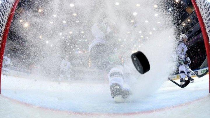 Форвард «Бостона» Маршан ударил соперника клюшкой в затылок после остановки игры