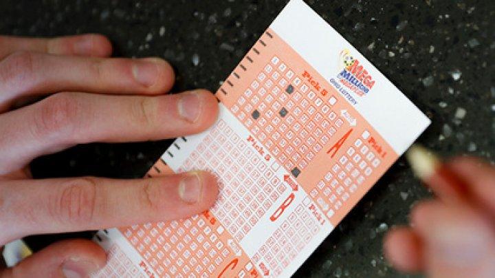 Победитель лотереи переволновался и чуть не упустил миллион долларов