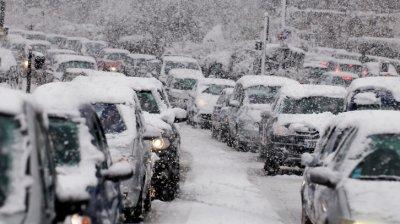 На юго-западе Румынии действует оранжевый метеокод: на дорогах произошло множество аварий