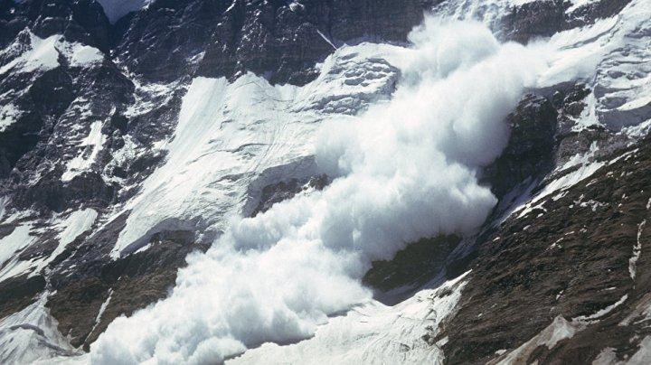 Во Франции накрытый лавиной мальчик час пролежал под снегом и выжил