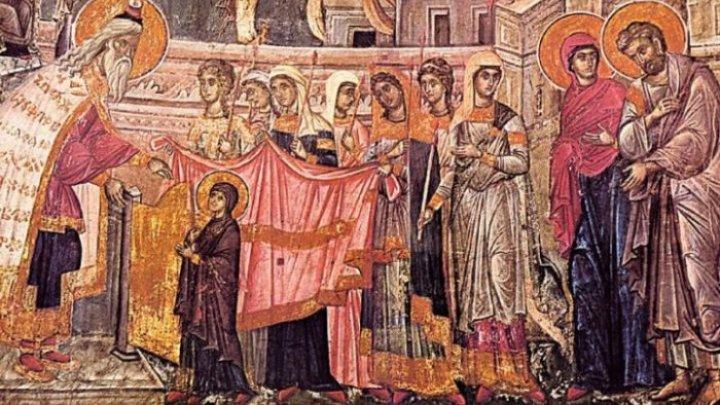 Православные христиане празднуют Вхождение в Храм Пресвятой Богородицы