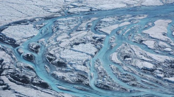 Ученые: Гренландский щит тает рекордными темпами