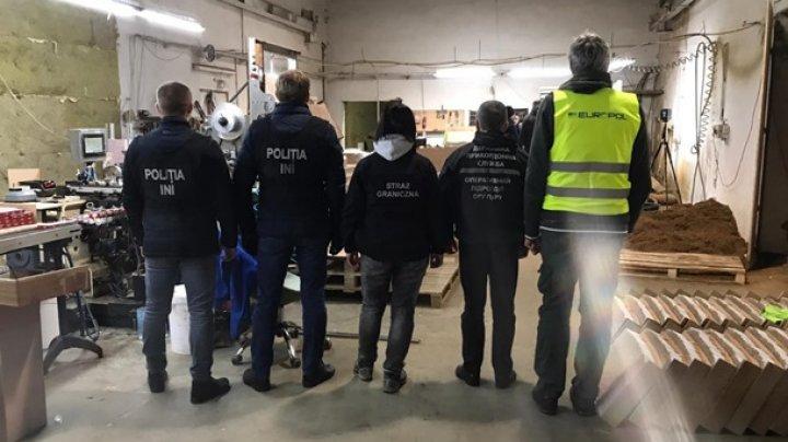 В Польше нашли подпольную табачную фабрику с персоналом из Молдовы и Украины