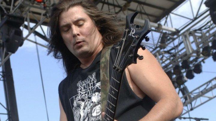 Музыкант Cannibal Corpse набросился на полицейского с ножом