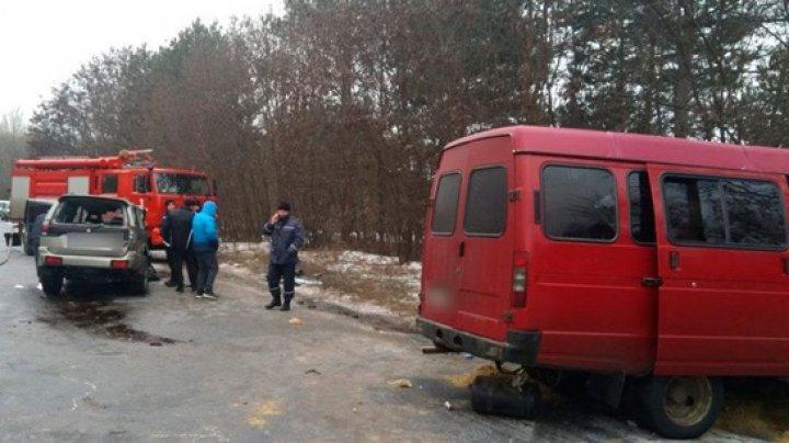 Под Полтавой микроавтобус попал в ДТП, есть жертвы