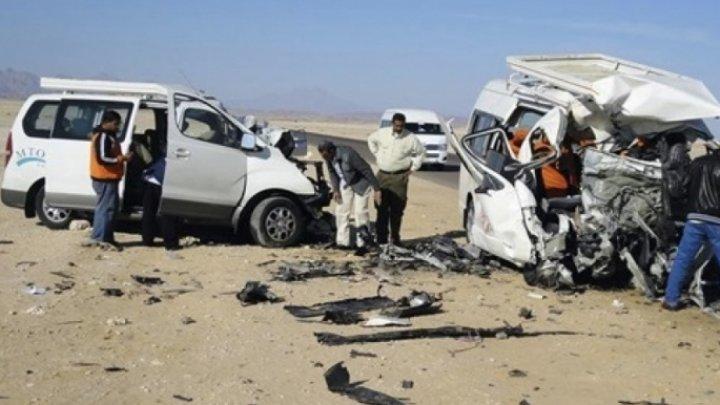 В массовом ДТП с микроавтобусом в Египте погибло пять человек