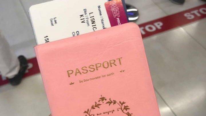 В канун Нового года билеты на самолет стоят вдвое дороже