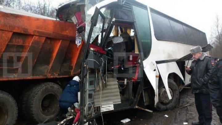 Автобус с гражданами Молдовы столкнулся с Камазом в России: есть пострадавшие