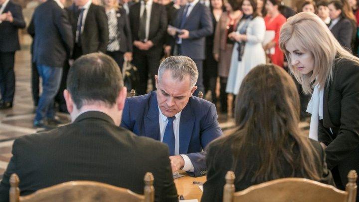 ДПМ представила в ЦИК список кандидатов на парламентских выборах