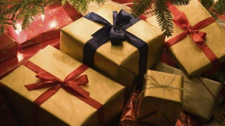 В Германии мальчику не понравились его подарки на Рождество и он вызвал сотрудников полиции
