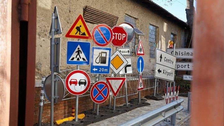 С трассы Каушаны – Штефан Водэ пропали 25 дорожных знаков