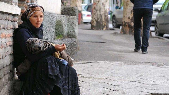Франция раздаст полмиллиарда евро беднякам под Рождество