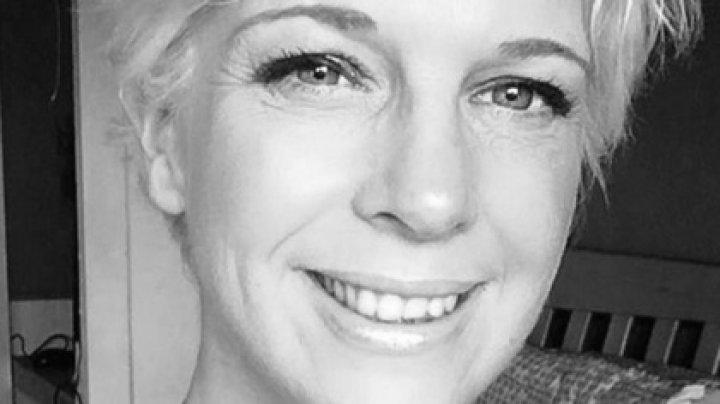 Радиоведущая ушла домой посреди эфира и покончила с собой