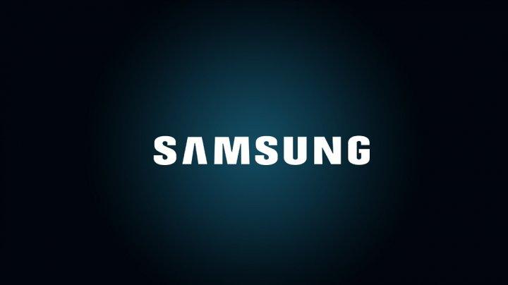 Прибыль Samsung сократилась в два раза