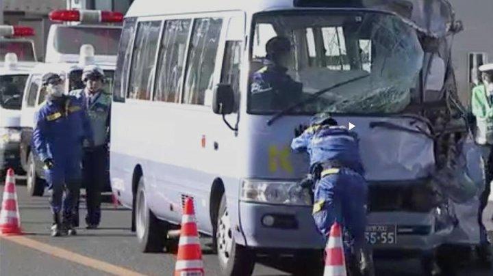 ДТП с грузовиком и автобусом в Японии: пострадали 16 человек