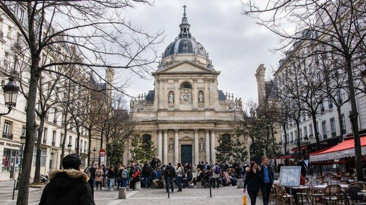Во Франции закрыли Сорбонну из соображений безопасности