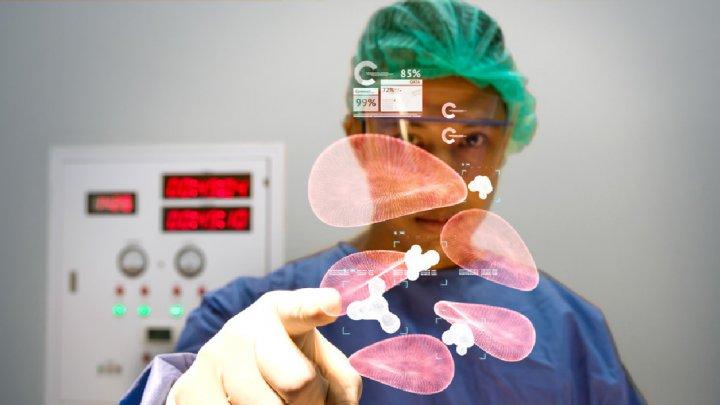 Учёные планируют избавиться от большинства врачей