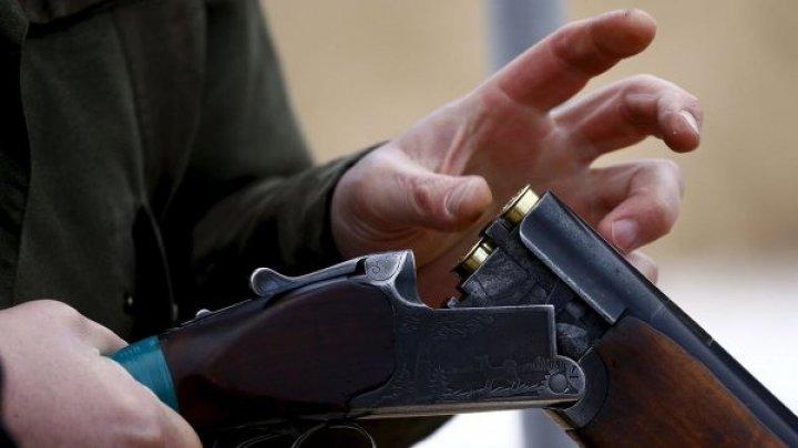 В Страшенах мужчина угрожал соседке ружьем из-за 3000 леев