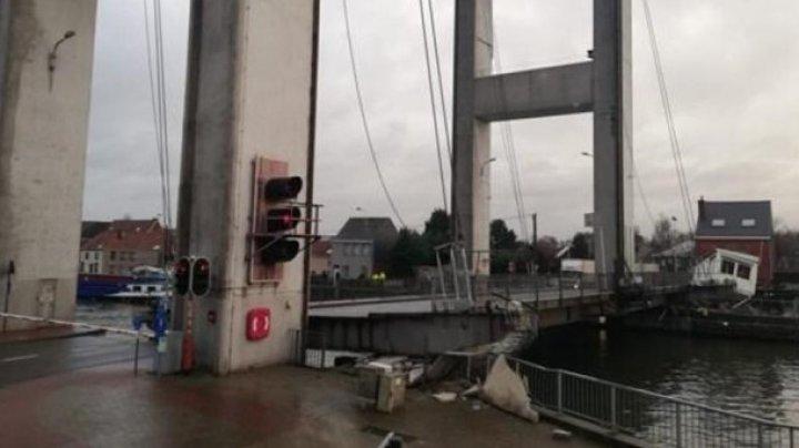 В Брюсселе обрушился мост: движение водного транспорта заблокировано