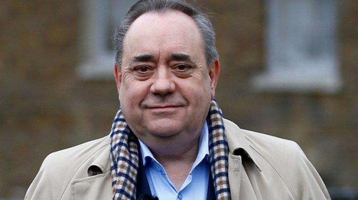 Экс-премьера Шотландии задержали по подозрению в домогательстве