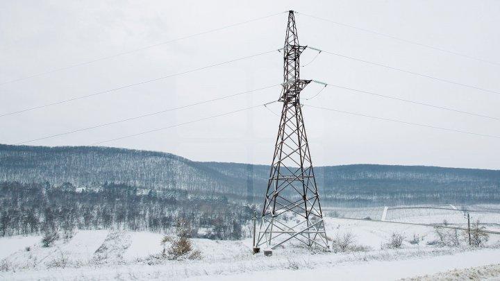 Без света из-за обрыва проводов остались шесть населенных пунктов