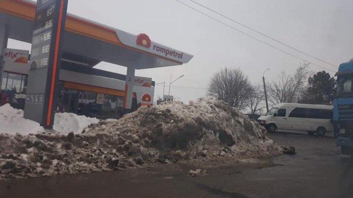 ДТП на Хынчештском шоссе с участием грузовика и маршрутки: один человек госпитализирован