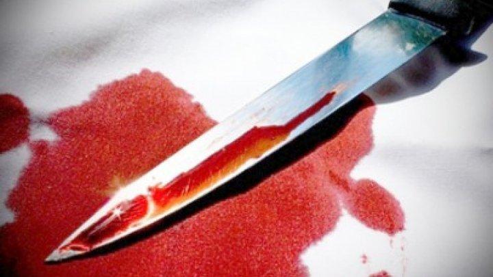 Жительница села Скорены пыталась доказать свою невиновность в измене, пырнув себя ножом