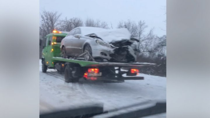 ДТП на трассе Кишинев-Анений Ной: микроавтобус столкнулся с автомобилем