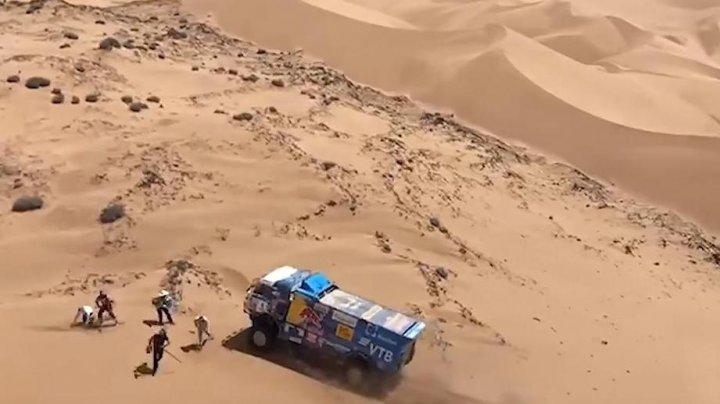 Российского гонщика дисквалифицировали с ралли «Дакар» из-за наезда на зрителя