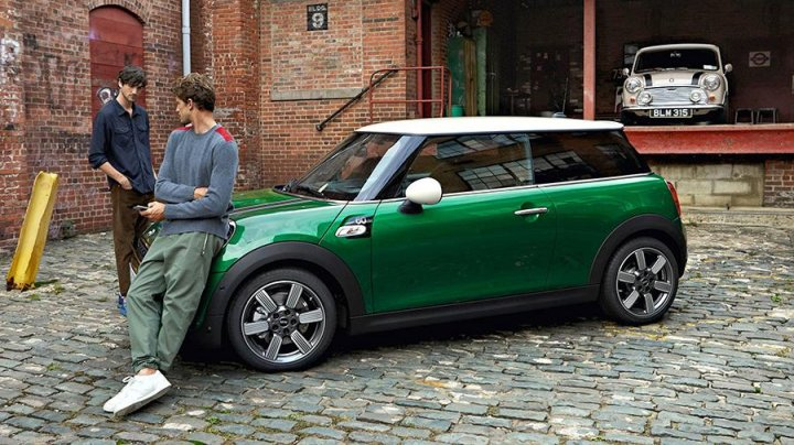 Mini выпустил специальную серию автомобилей в честь юбилея марки