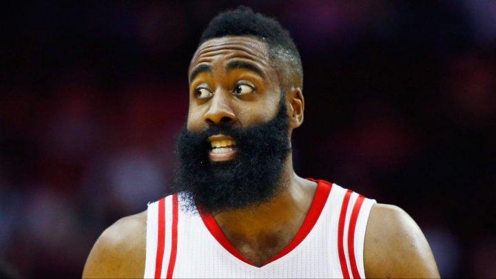 Джеймс Харден стал третьим игроком в истории НБА, набиравшим 30+ очков в 17 матчах подряд
