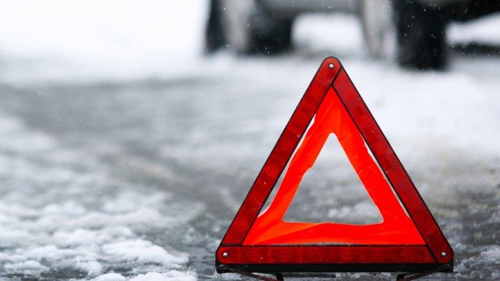 В Чимишлийском районе мужчину, выжившего в ДТП, насмерть сбила машина