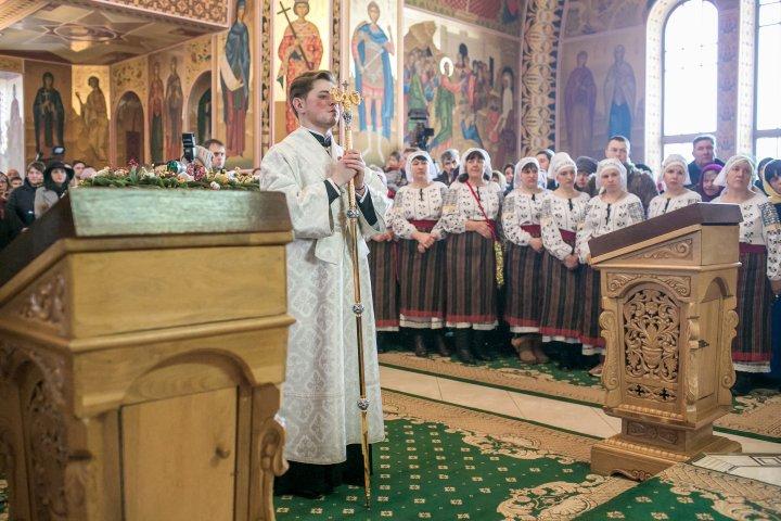 Влад Плахотнюк принял участие в рождественской службе в монастыре Курки